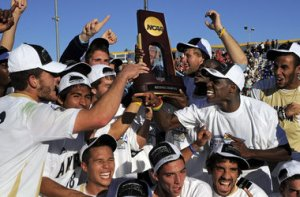 Akron festeggia la NCAA Colege Cup 2010